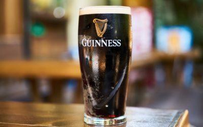 Guinness : pourquoi les bulles descendent en cascade ?